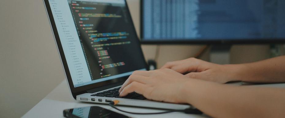 【リモート可能/HTML/CSS/JavaScript】Vue.js/ReactなどのJSフレームワークを使用した実装をおこなっていただく、フロントエンジニアを募集!