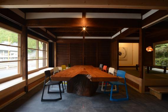 奈良県吉野郡東吉野村にあるコワーキングスペース OFFICE CAMP HIGASHIYOSHINO(オフィスキャンプ東吉野)