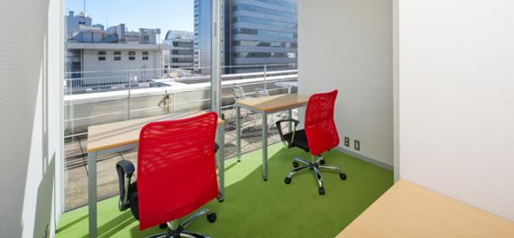 東京都新宿区にあるコワーキングスペース オープンオフィス新宿ウエスト