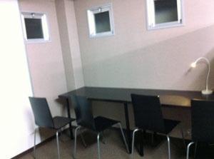 兵庫県尼崎市にあるコワーキングスペース コワーキング塚口スタジオ