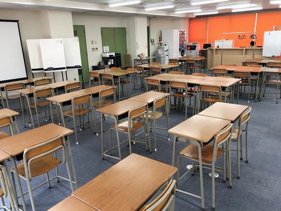 神奈川県厚木市にあるコワーキングスペース 学生専用コミュニティスペース「フリカレ!」