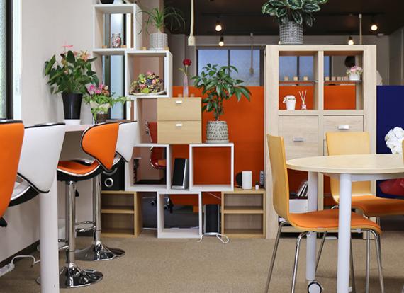 三重県津市にあるコワーキングスペース CoworkingCafe CC(コワーキングカフェ シーシー)