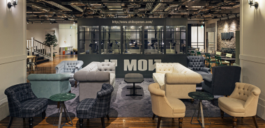 ユニークなコミュニティー Creative Lounge MOV(クリエイティブラウンジ・モヴ)