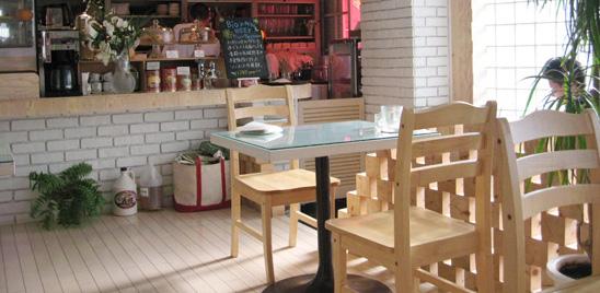 東京都武蔵野市にあるコワーキングスペース DEVADEVA CAFE(デーヴァデーヴァ・カフェ)