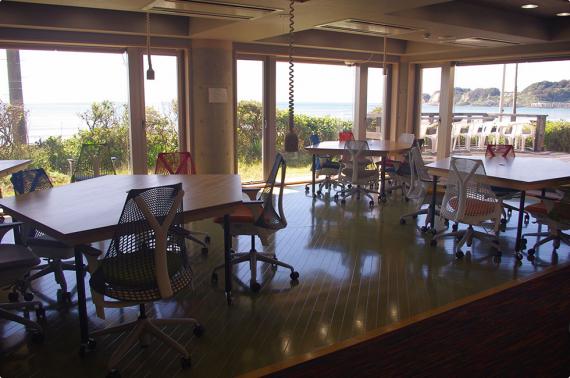 神奈川県鎌倉市にあるコワーキングスペース Open Network Space KAMAKURA(オープン ネットワーク スペース 鎌倉)