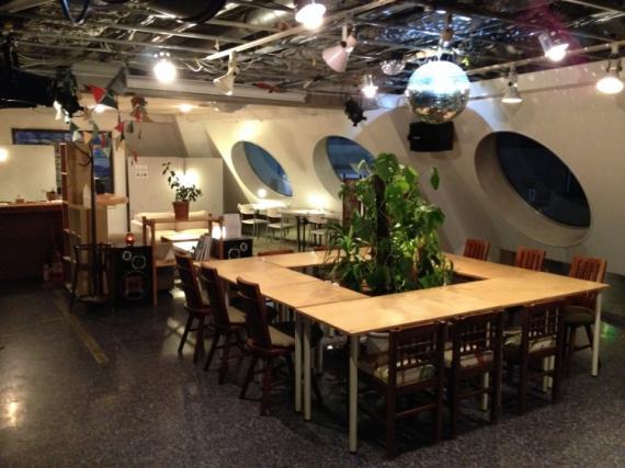 千葉県松戸市にあるコワーキングスペース コワーキングバー FANCLUB(ファンクラブ)