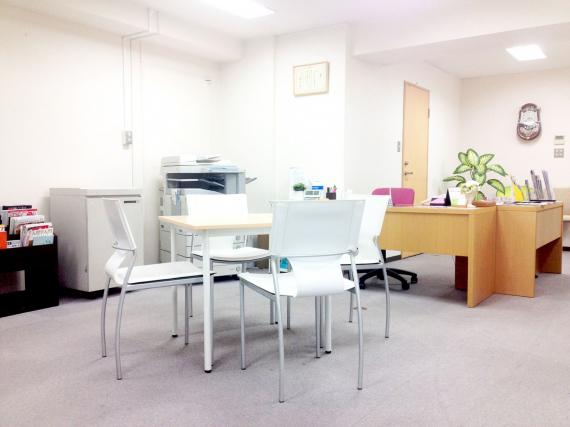 兵庫県神戸市中央区にあるコワーキングスペース インキュベーションオフィスERINSERVE(エリンサーブ)